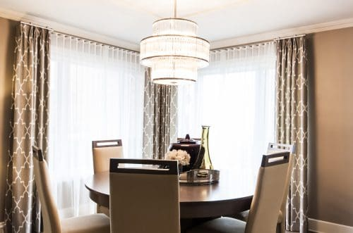 rideaux plis euro et voilages ripple fold sur tringle d corative. Black Bedroom Furniture Sets. Home Design Ideas